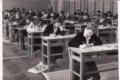Matura-r.1979-klasa-A-klasa-B-sala-gimnastyczna-TGul.P.Sciegiennego